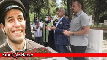Kemal Sunal vefatının 21.yılında kabri başında anıldı