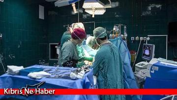 Karnı ağrıyan adamın midesinden bir kilodan fazla çivi ve vida çıkarıldı